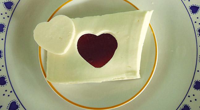 Pelo fim das tampas das panelas -  e pela ascensão das goiabadas com queijo