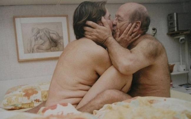 Casal de idosos fazendo sexo